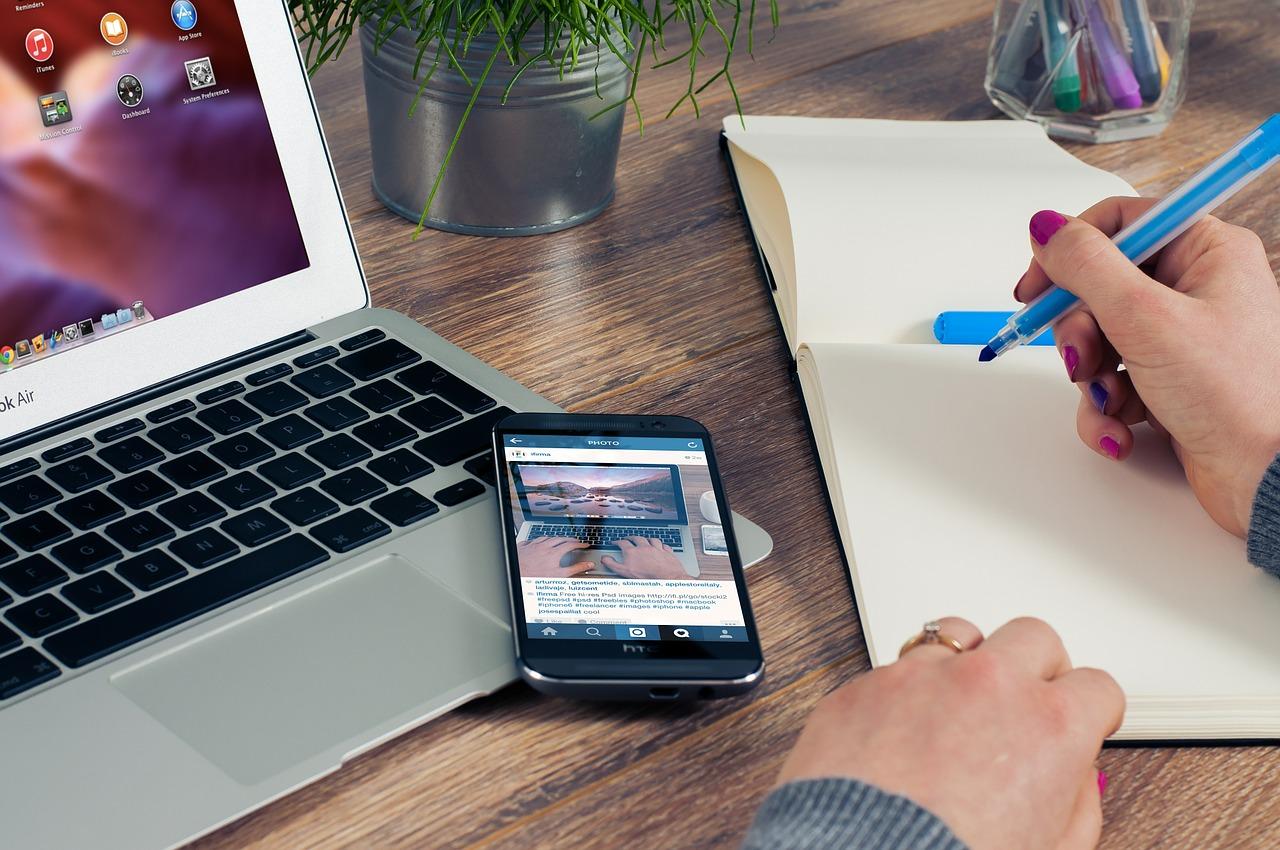 iPhoneとMacとノート